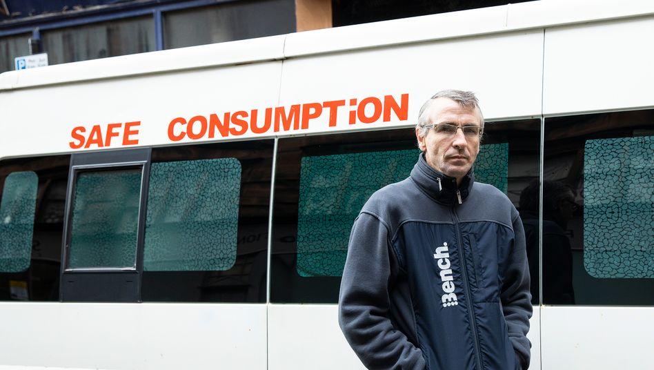 Peter Krykant vor seinem Van: »Die Leute spritzen sich Drogen in den gleichen Gassen, wo ich es damals getan habe«