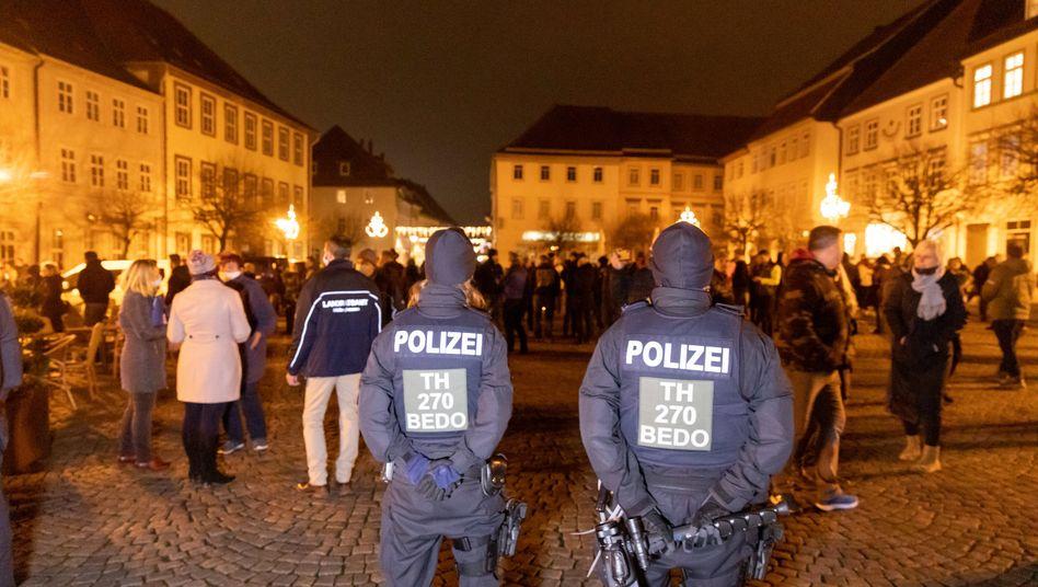 Polizisten in Hildburghausen: Die Menschen sprachen von Spaziergängen