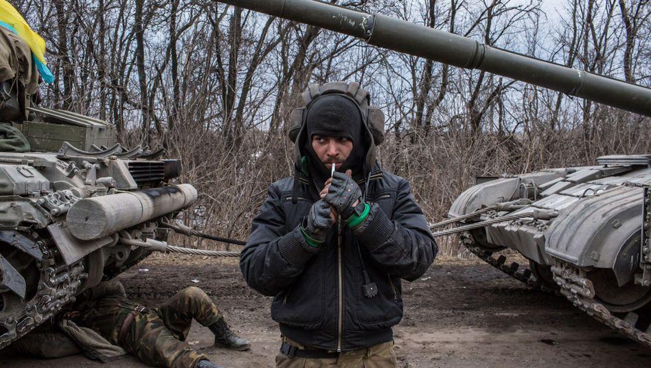 Ukrainischer Soldat nahe Debalzewe: Oberhaus kritisiert Umgang mit Russland