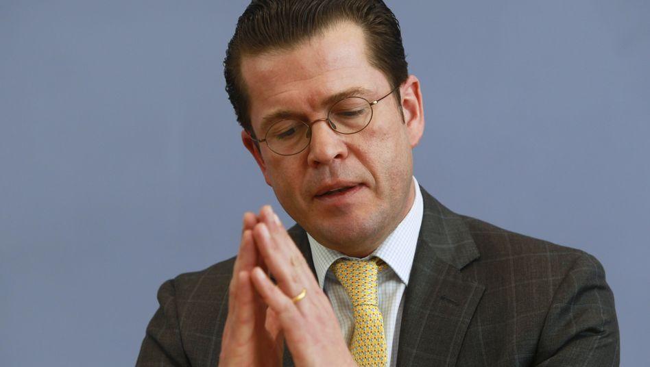 "Dr. Guttenberg: Späte Promotion wegen ""parlamentarischer Ablenkung"""