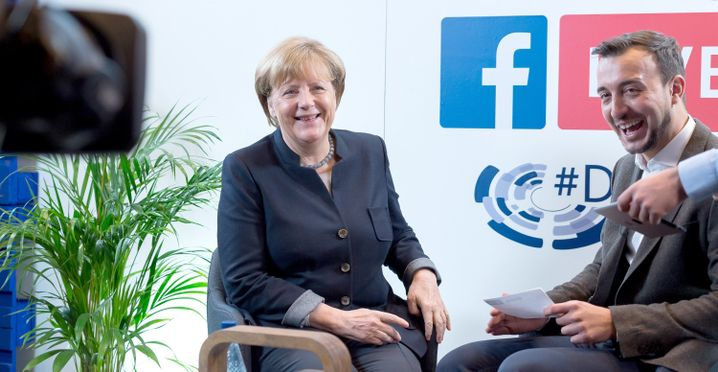 Angela Merkel und Paul Ziemiak auf dem Deutschlandtag der Jungen Union (2016)