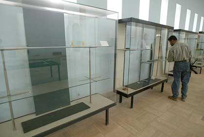 """Leere Regale im Irak-Museum: """"Wie viele Kunstobjekte gerettet werden konnten, steht noch immer nicht fest"""""""