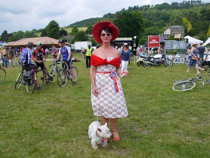 Jillian Rodgers feuert an: Bestgekleidete Frau des Festivals
