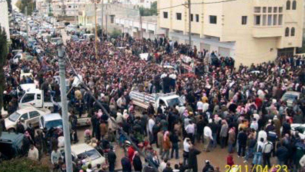 Gewalt in Syrien: Razzien, Festnahmen, Rücktritte