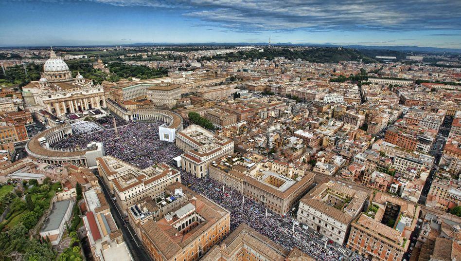 Petersplatz in Rom: Hilfe vom Papst?