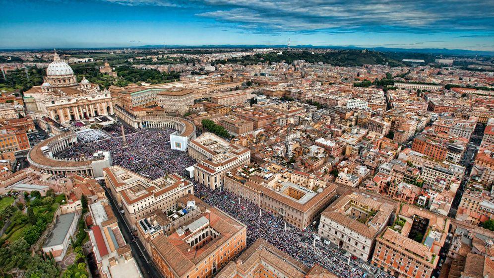 Vatikan: Suche nach Maulwürfen