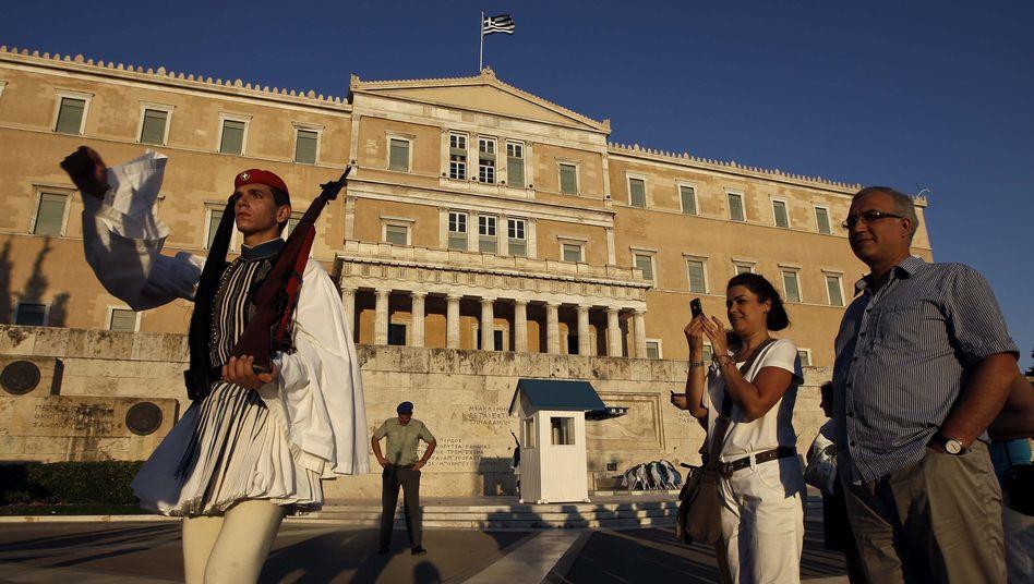 Touristen vor dem Athener Parlament: Mauer Wachstum in der EU