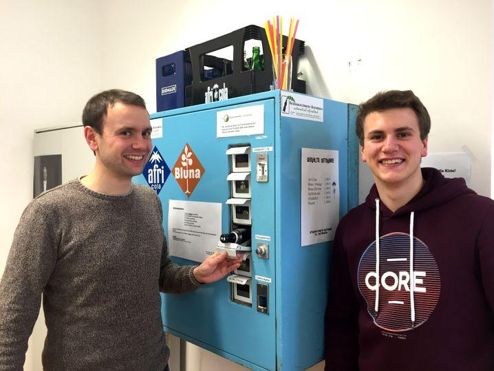 Gewerbe mit Getränkeautomaten: Christoph (l.) und Johannes Austermann