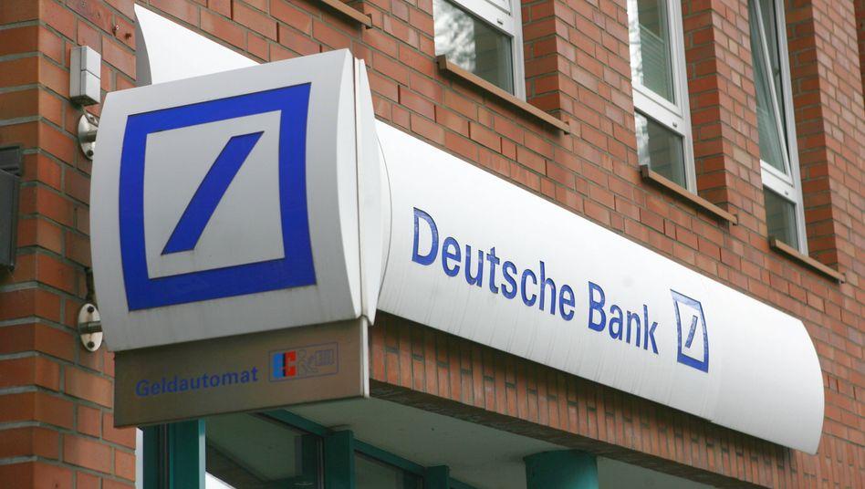 Corona Krise Deutsche Bank Schliesst 200 Filialen Der Spiegel