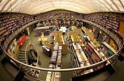 Bibliothek der Albert-Ludwigs-Universität Freiburg: Wissen besteht nicht aus addierten Informationen