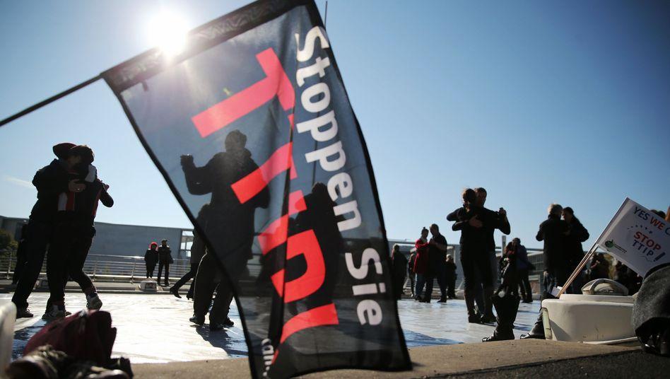 Anti-TTIP-Protest in Berlin: Mehr Transparenz in den Verhandlungen zum Handelsabkommen