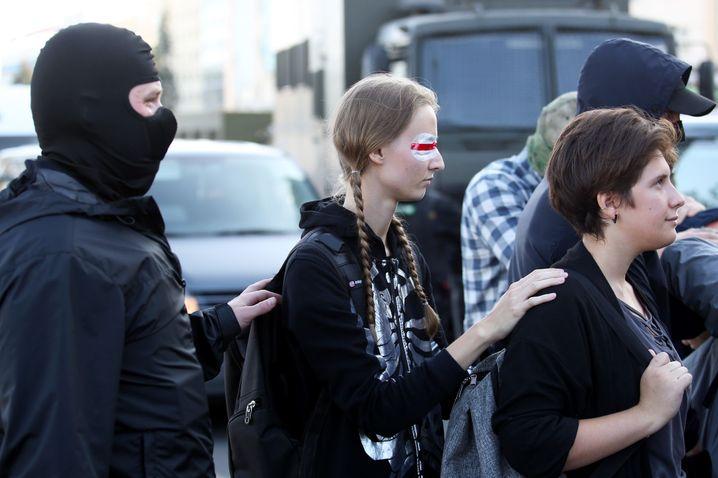 Festnahmen am Rande der Demonstration in Minsk