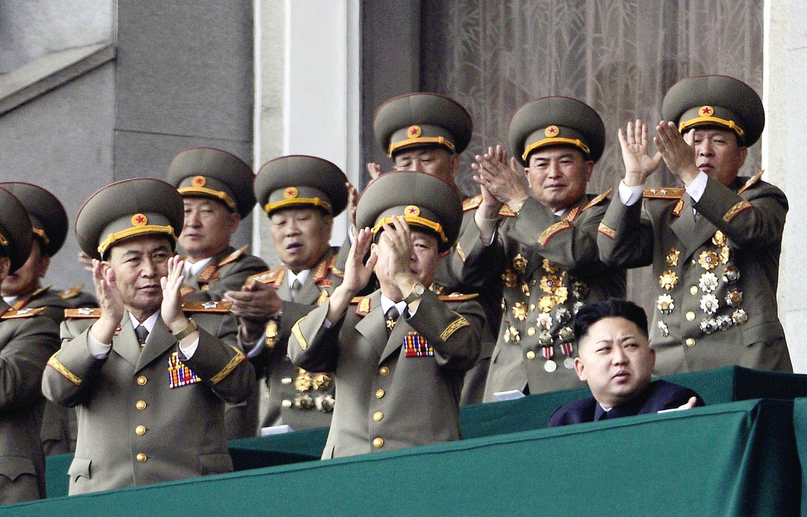 DER SPIEGEL 18/2012 pp 90 SPIN /Nordkorea