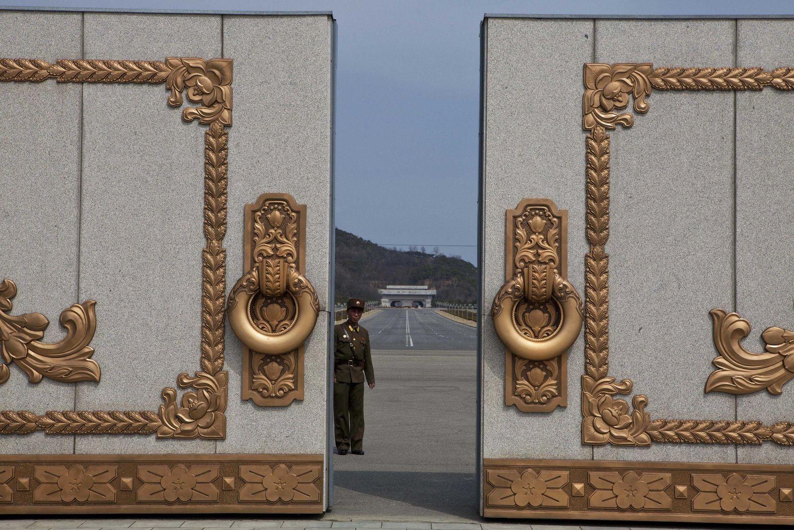 Nordkorea / Feier