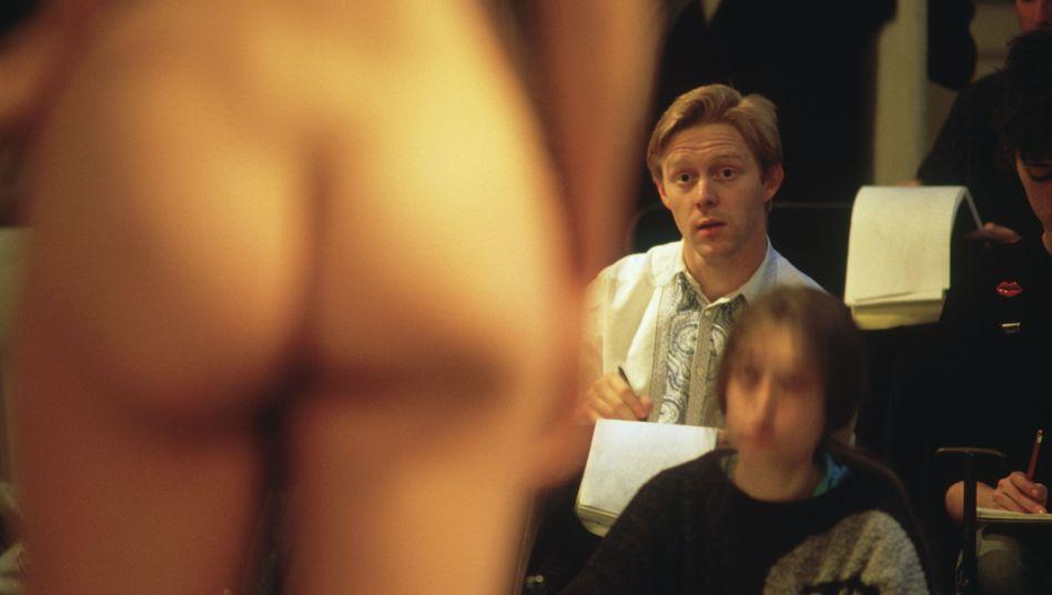 """Szene an einer Kunstschule in Paris (Archivbild): """"Scham spielt keine Rolle"""""""