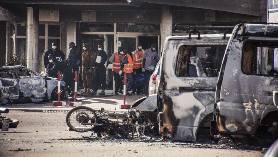 Terroranschlag in Burkina Faso: Mindestens 28 Tote -drei Angreifer identifiziert