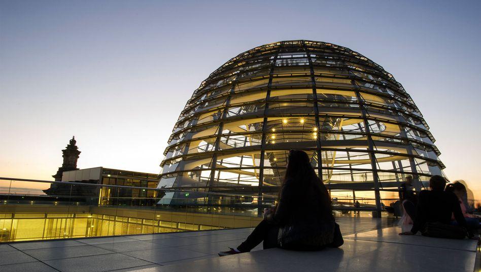 Reichstagskuppel: Bundestagsnetz ist nach Hackerangriff gedrosselt