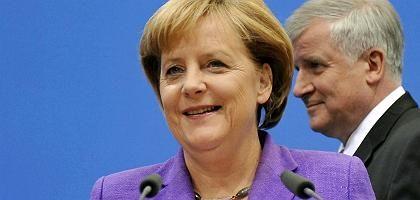 """Angela Merkel, Horst Seehofer: """"Chefin und Knecht"""""""