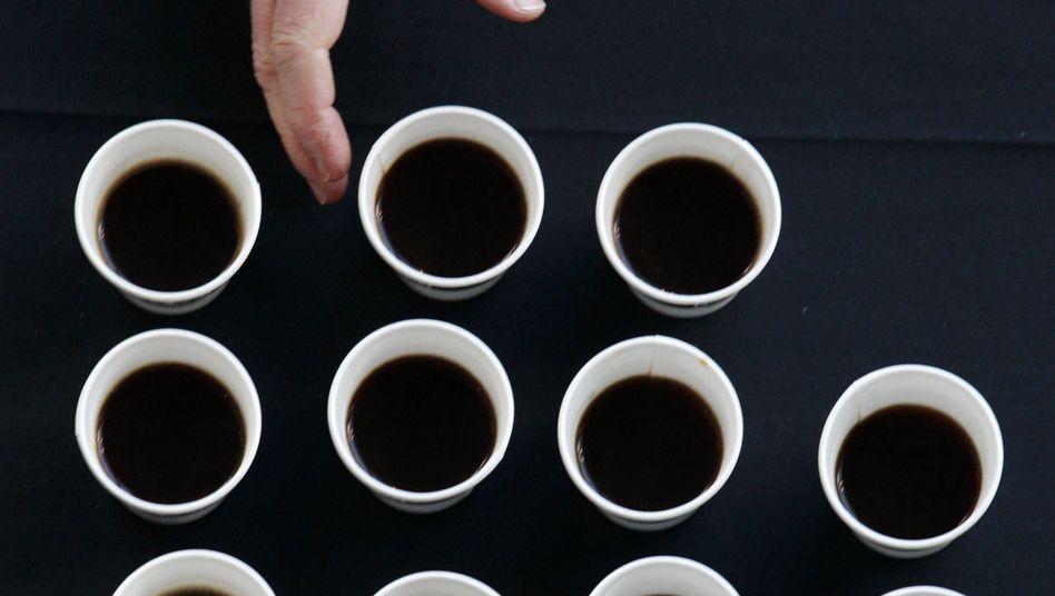 Kaffee, schwarz: Wie genau die Studienteilnehmer ihren Kaffee tranken, wurde nicht erfasst