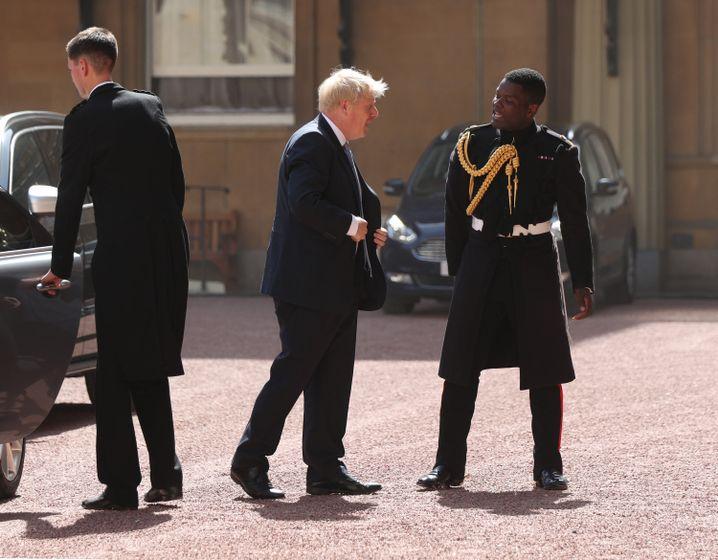 Johnson bei seiner Ankunft im Buckingham-Palast