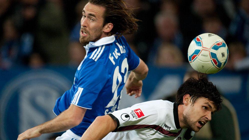 Schalke 04 vs. Kaiserslautern: Zwei Elfmeter, zwei Rote Karten, drei Tore