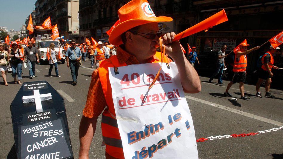 Französischer Gewerkschafter mit Geheimwaffe: Tröten für die Rente
