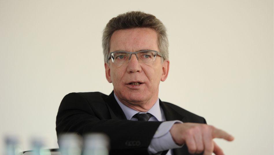 """Verteidigungsminister de Maizière: """"Von niemandem Ratschläge"""""""