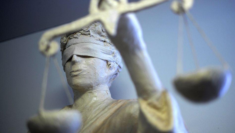 Blind für Plagiate? Ein Lehrbuch für Juristen bestand wohl teilweise aus Wikipedia-Material