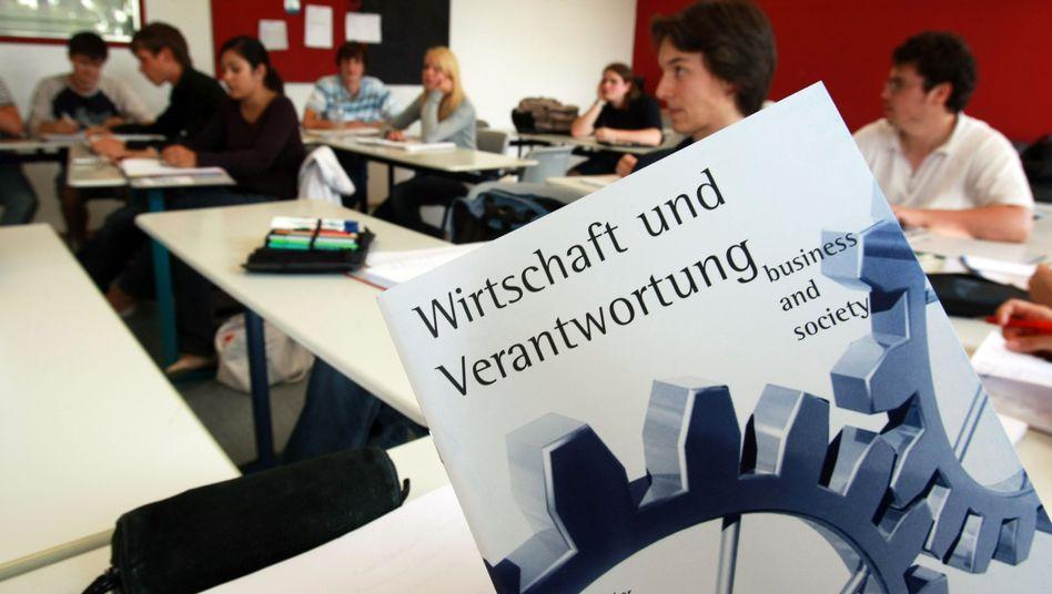 Wirtschaft in einer Schule in Gaienhofen am Bodensee (Archivbild): Ein ähnliches Fach soll es bald flächendeckend geben