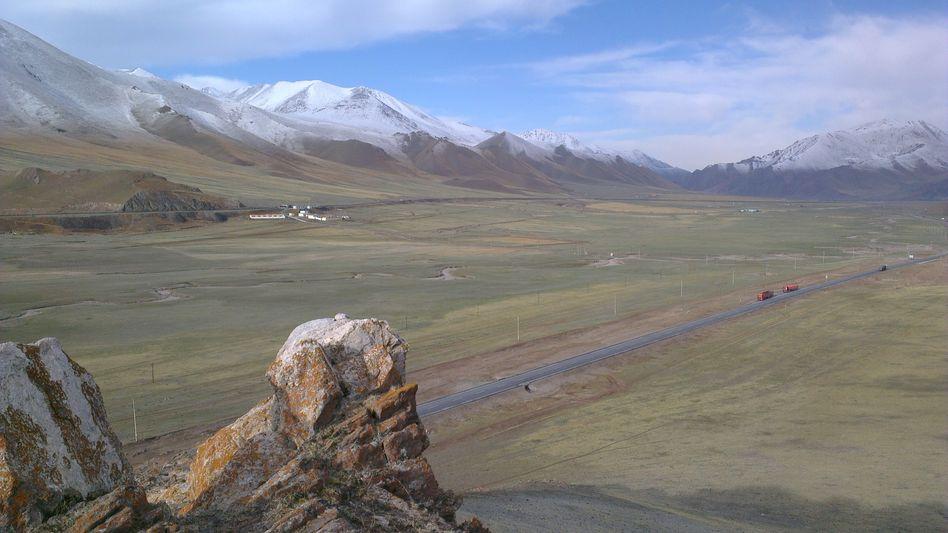 Möglicher Standort für Anlagen des »Grand«-Observatoriums im chinesischen Tienschangebirge