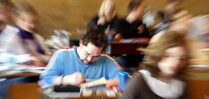 Abiturienten: NRW setzt neue Klausuren in Mathematik an