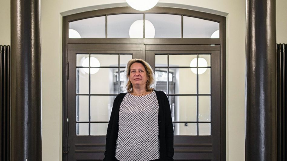 """Ullstein-Chefin Laugwitz: """"Erst mal hingesetzt, einen Anwalt gesucht"""""""