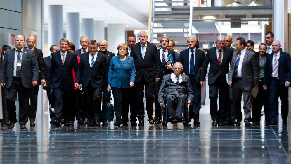 Sondierungsgespräche: Merkels Breitreifen