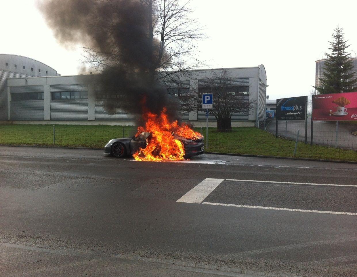 Porsche GT3 brennt / Feuer