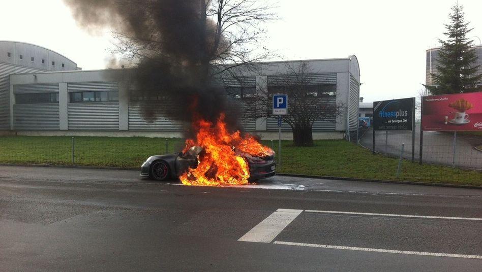 Feuergefahr: Wegen eines fehlerhaften Pleuels brannte dieser GT3