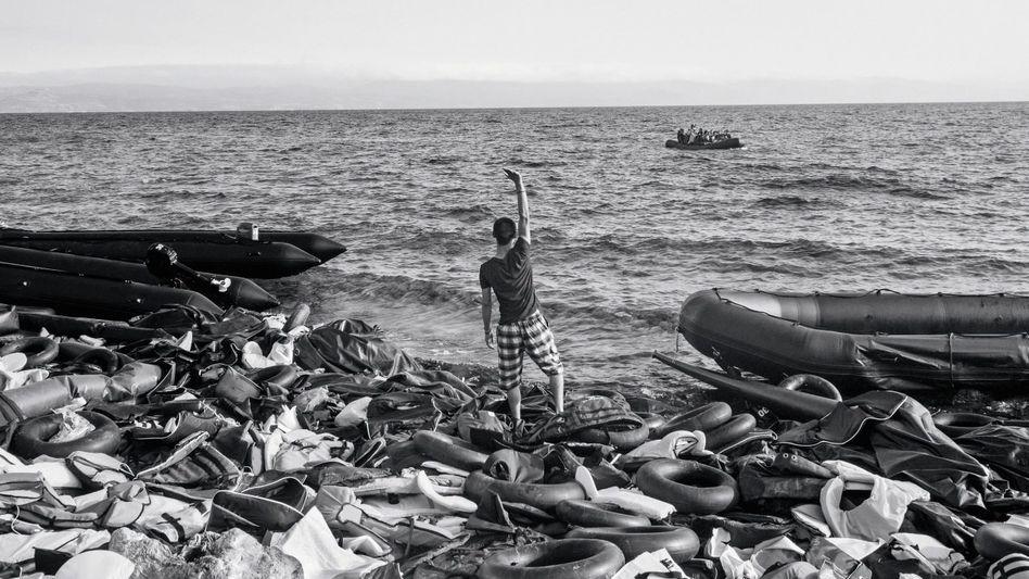 Flüchtling auf Lesbos: An der Nordostküste der Insel landen täglich bis zu 4000 Menschen