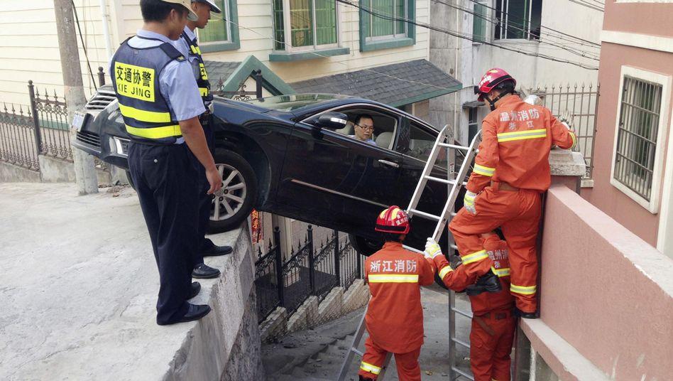 Rettungskräfte in Wenzhou: Ungewöhnlicher Einsatz
