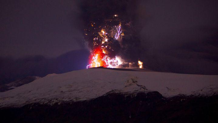 Wissenschaftsbilder April: Vulkanausbruch legt Europa lahm