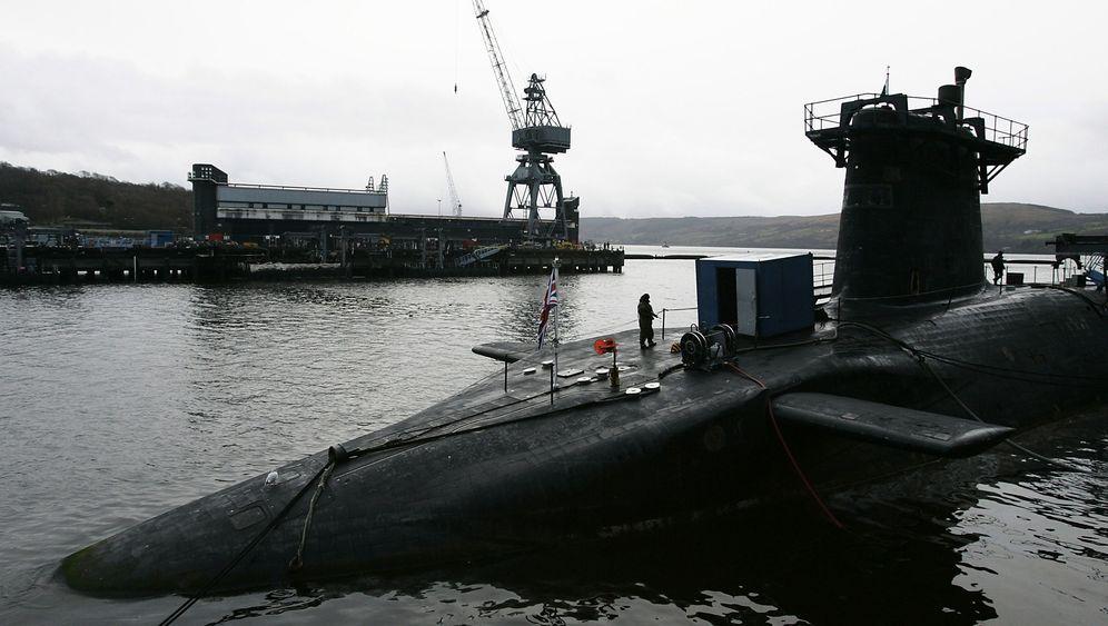 U-Boote in Schottland: Malerischer Loch, graue Giganten