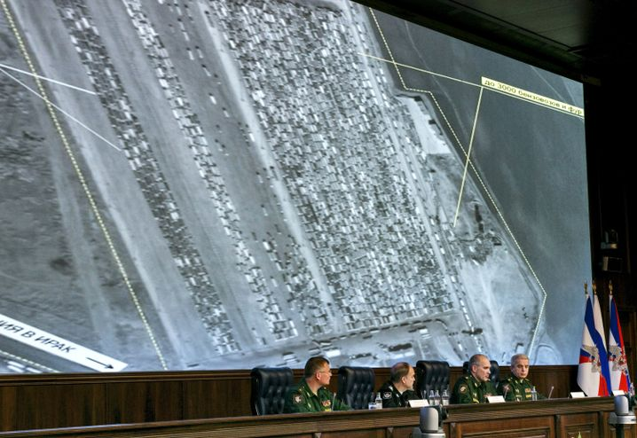 Vermeintliche Beweise: Russische Militärs präsentieren in Moskau Satellitenaufnahmen