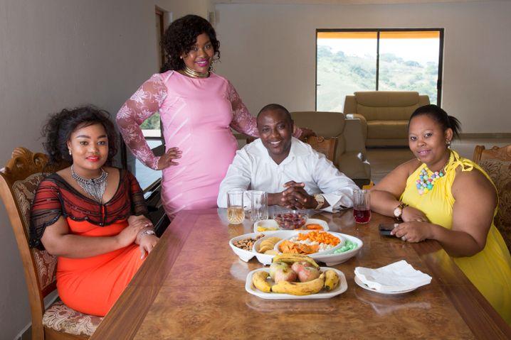 Der südafrikanische TV-Star Musa Mseleku lebt in einer polygamen Beziehung