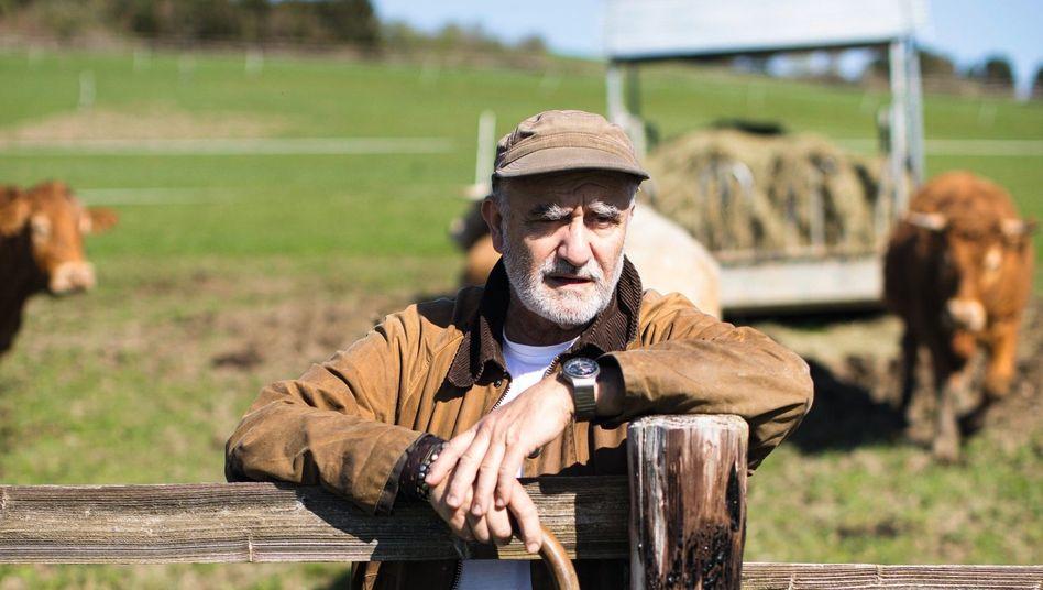 Landwirt Franz Keller auf seiner Weide