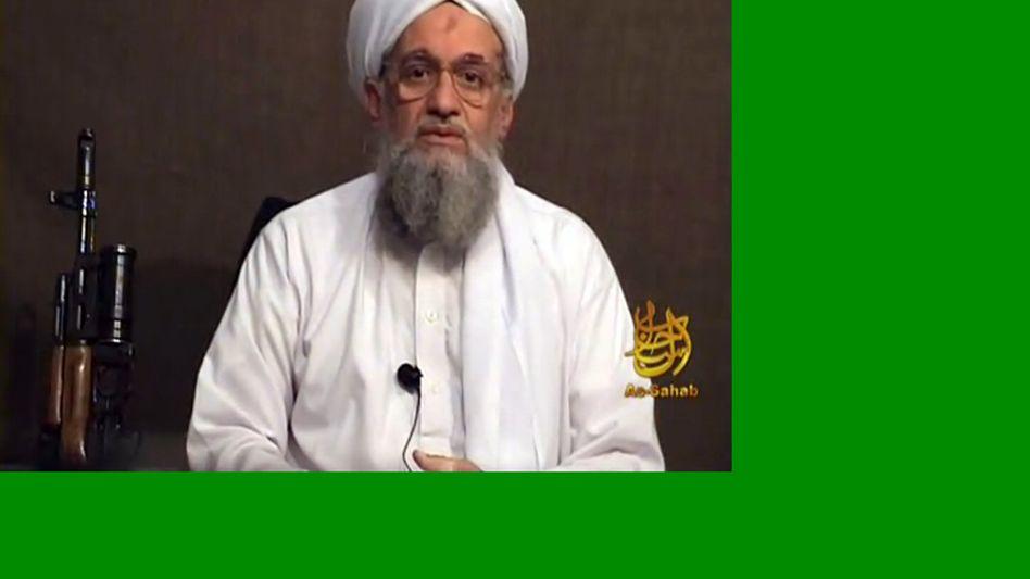 """Screenshot aus früherem Sawahiri-Video: """"Osama hat verwirklicht, was er wollte"""""""