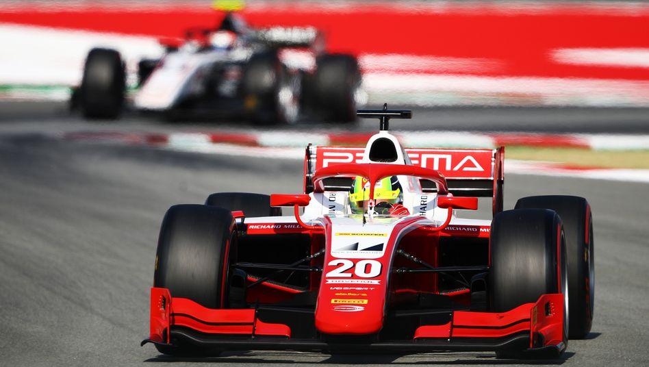 Mick Schumacher fuhr beim Sprintrennen der Formel 2 auf dem Circuit de Barcelona-Catalunya auf den dritten Rang