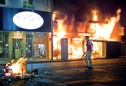 Geschäfte in Flammen: In den letzten Tagen war kein Haus vor Zerstörung sicher