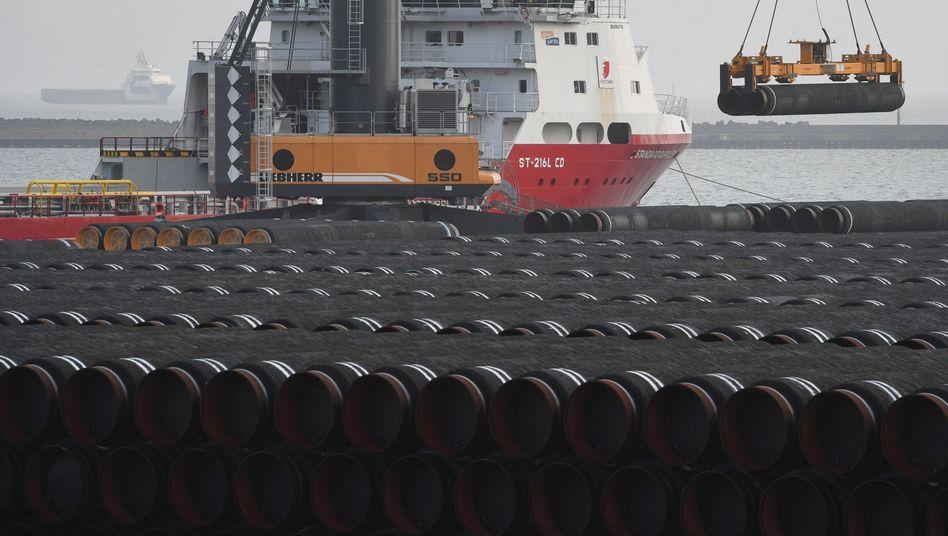 Rohre für die Ostsee-Gaspipeline Nord Stream 2: US-Präsident Donald Trump hat bereits angekündigt, dass er unterzeichnen will