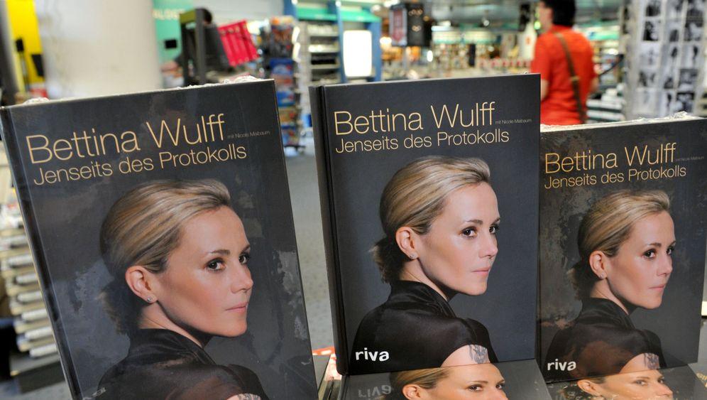 """Jenseits des Protokolls"": Bettina Wulffs Buch"