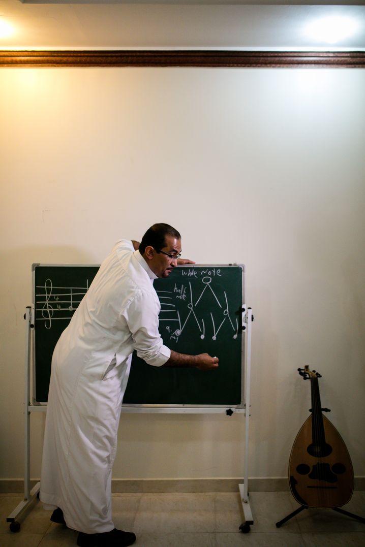 IT-Spezialist und Lautenspieler AlMuwail