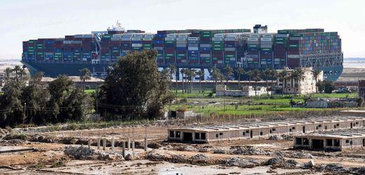 »Ever Given«-Havarie im Suezkanal: Ägypten fordert 900 Millionen Dollar Schadenersatz