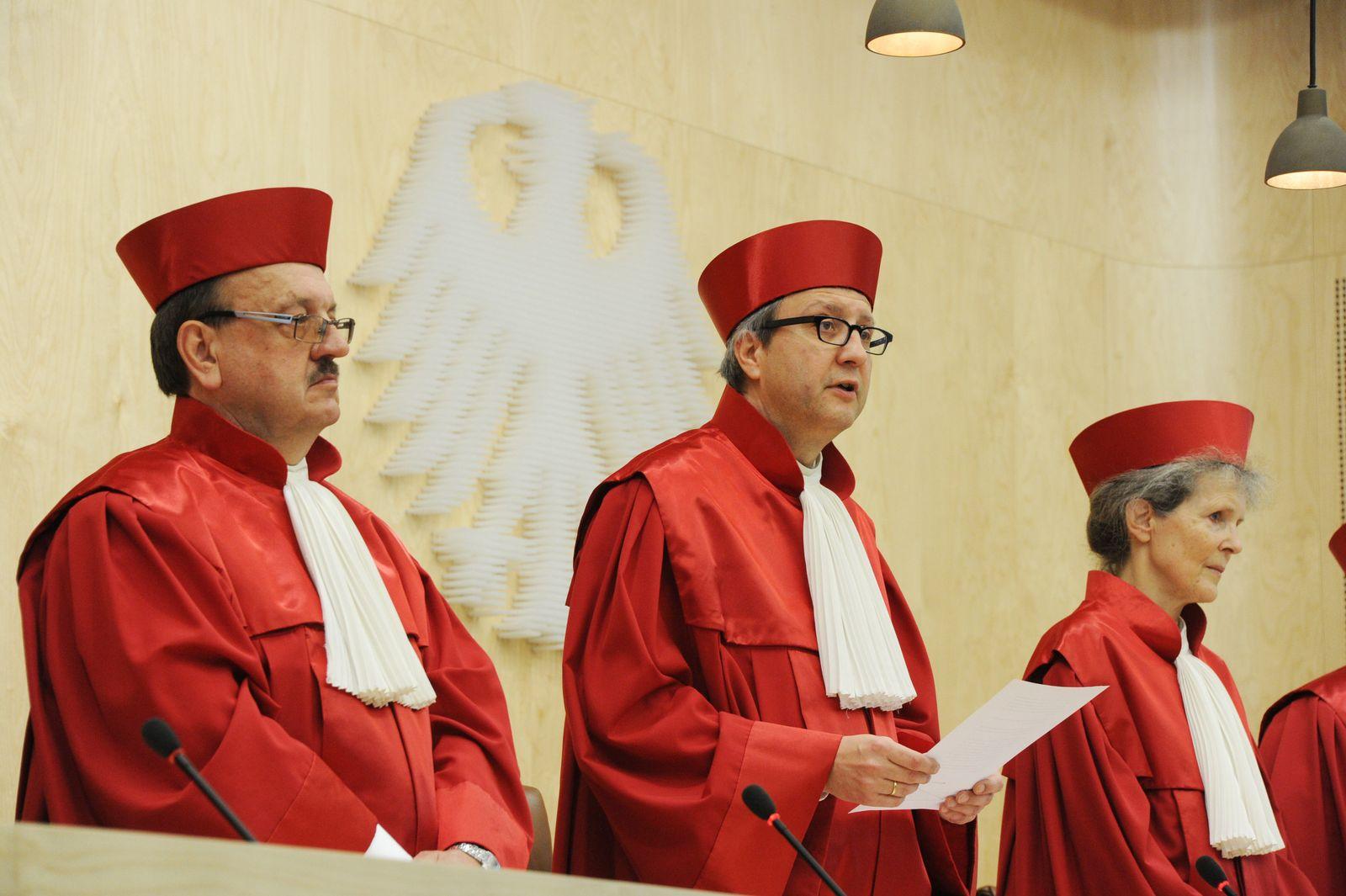 Verfassungsgericht / Deals im Strafprozess